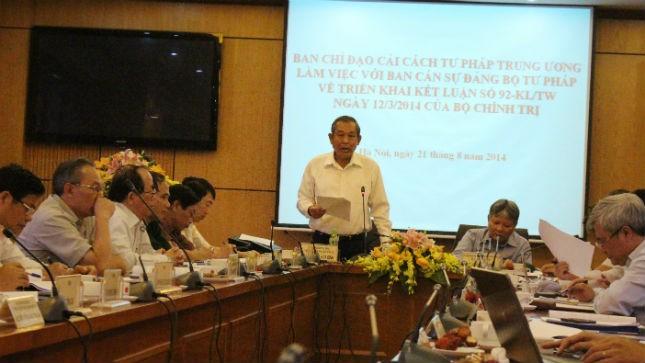 Chánh án Tòa án nhân dân Tối cao Trương Hòa Bình phát biểu tại buổi làm việc