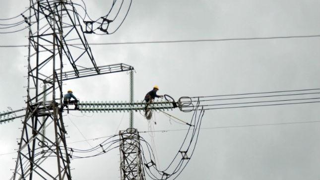 Những kỹ sư, công nhân vất vả trực tiếp thi công đường dây 500kV Pleiku - Mỹ Phước - Cầu Bông đã thực nhận được bao nhiêu tiền thưởng?