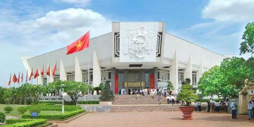 Toàn cảnh Bảo tàng Hồ Chí Minh tại Hà Nội
