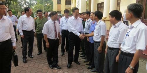 Thủ tướng Nguyễn Tấn Dũng tiếp xúc cử tri tại quận Kiến An, TP.Hải Phòng