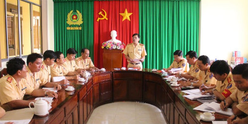 """Phòng Cảnh sát đường thủy Công an Đồng Tháp họp triển khai """"đánh án"""" trên sông"""