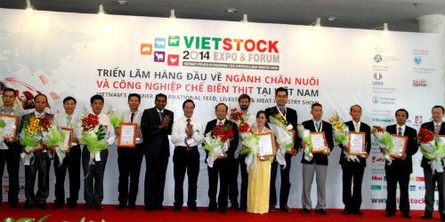 Trang trại Vinamilk là trang trại bò sữa xuất sắc nhất Việt Nam năm 2014