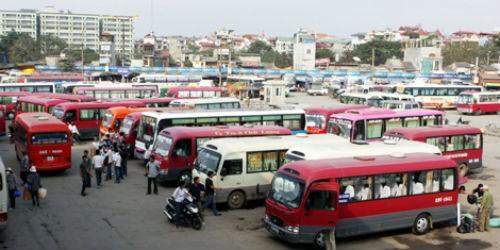 Các doanh nghiệp vận tải bắt đầu giảm giá cước