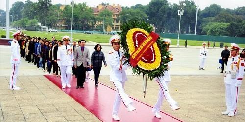 Ban Tuyên giáo Đảng ủy Bộ Tư pháp dâng hương tại Lăng Chủ tịch Hồ Chí Minh