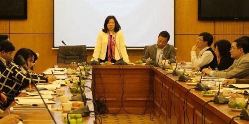 Thứ trưởng Nguyễn Thúy Hiền chủ trì buổi tọa đàm
