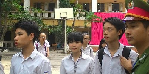 Tại điểm thi Trường THPT Trần Nhân Tông