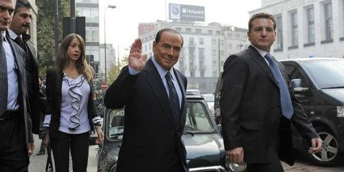 """Cựu Thủ tướng Ý lại dính líu """"tiệc sex"""""""