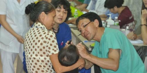 Mang lại nụ cười cho trẻ em bị dị tật khe hở môi hàm ếch