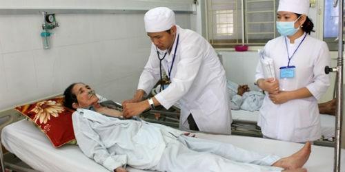 Không khuyến khích cổ phần hóa bệnh viện công