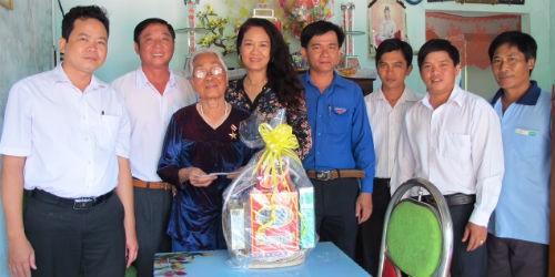 Sở Tư pháp Cần Thơ tri ân mẹ Việt Nam Anh hùng