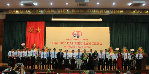 Ban Chấp hành Đảng bộ Bộ Tư pháp nhiệm kỳ 2015-2020 ra mắt Đại hội