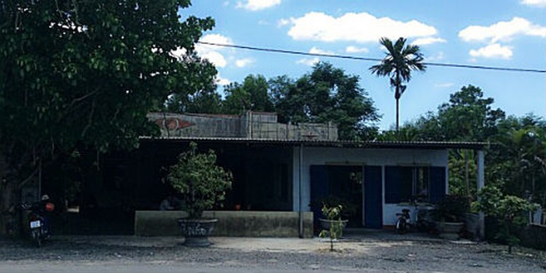 Ngôi nhà bà Trần Thị Vui nằm trên khu đất đang bị ông Trần Văn Hải đòi lại
