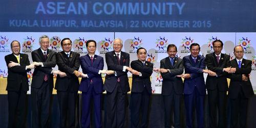 Các nhà lãnh đạo tại Lễ ký Tuyên bố thành lập Cộng đồng ASEAN