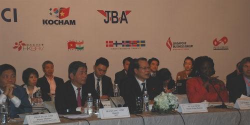 Các đại biểu dự diễn đàn doanh nghiệp Việt Nam
