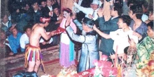 """Một góc lễ hội """"linh tinh tình phộc"""" độc nhất vô nhị của người dân Tứ Xã"""