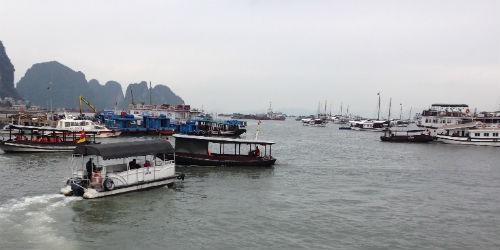 """Cảng vụ Đường thủy """"bẻ cong"""" quy định của tỉnh Quảng Ninh"""