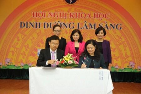 Vinamilk hợp tác với Viện Dinh dưỡng quốc gia