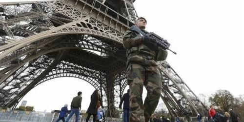Pháp sửa đổi Hiến pháp để… chống khủng bố