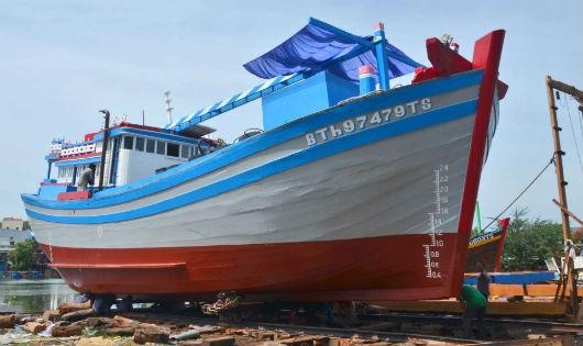 Nguồn vốn vay từ Agribank đã giúp ngư dân đóng tàu lớn vươn khơi bám biển