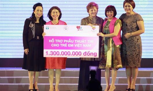 Nu Skin Việt Nam trao tặng 1,3 tỷ đồng cho Chương trình Nhịp tim Việt Nam