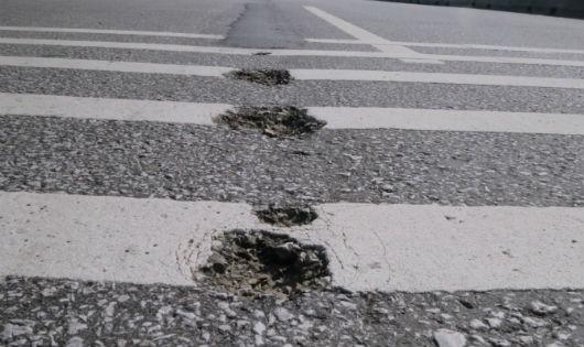 Đến 30/4, nếu không khắc phục xong hư hỏng mặt đường, Bộ GTVT sẽ yều cầu dừng thu phí