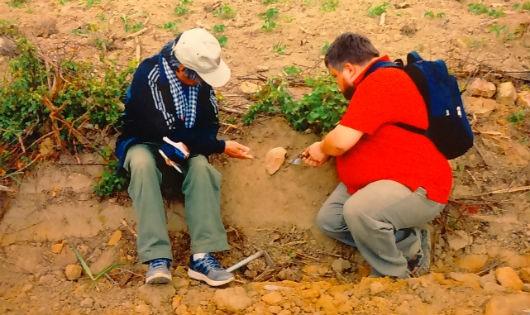 Các nhà khoa học khảo cổ đang tìm hiện vật