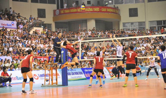 Đội VietinBank giành chiến thắng đầy thuyết phục trước Thông tin Liên Việt Postbank (tỉ số 3 - 0)