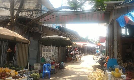 Cổng vào chợ Hợp Châu