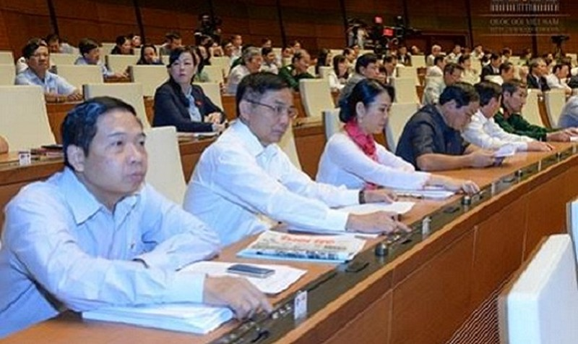 Quốc hội bấm nút thông qua Luật Tố tụng Hành chính.