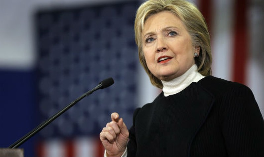 """Cựu Ngoại trưởng Mỹ Hilary Clinton: Thoát hiểm """"vụ nghi án"""" email"""