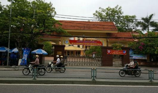 """Trường THPT Lê Quý Đôn (Thái Bình): Ai """"chống lưng"""" cho kế toán trưởng?"""