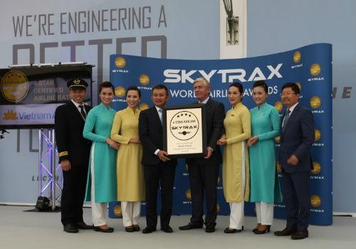 """Vietnam Airlines đã """"nâng tầm sao, vươn tầm cao"""""""