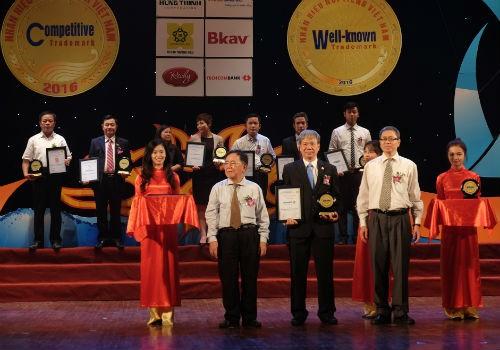 Tập đoàn Bảo Việt lần thứ 7 nằm trong Top 10 nhãn hiệu nổi tiếng Việt Nam
