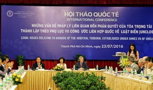 Phán quyết lịch sử 12/7 và ứng xử của Việt Nam