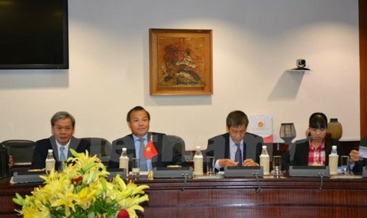 Thứ trưởng Ngoại giao Vũ Hồng Nam tại cuộc họp. Ảnh: TTX