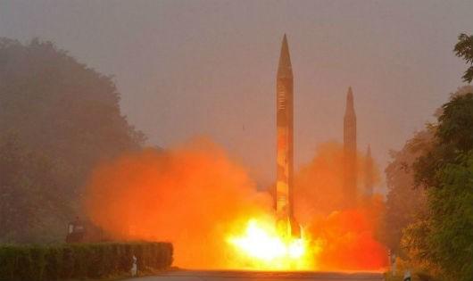 Lên án mạnh mẽ vụ Triều Tiên tiếp tục phóng tên lửa vào Nhật Bản