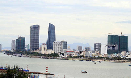 Toà nhà Trung tâm hành chính Đà Nẵng đặt ở trung tâm thành phố, nơi đang có tốc độ phát triển đô thị nhanh