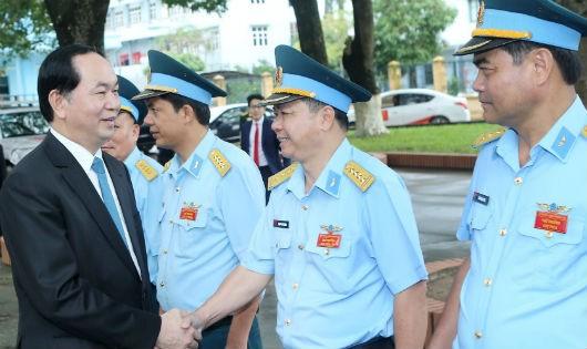 Chủ tịch nước Trần Đại Quang đến thăm và làm việc với Quân chủng Phòng không - Không quân (Bộ Quốc phòng)