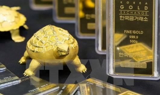 Vàng được trưng bày tại Sàn giao dịch vàng Seoul, Hàn Quốc ngày 27/6 vừa qua. (Ảnh: EPA/TTXVN)