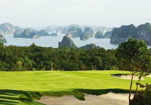 Sân golf FLC Hạ Long với view hướng ra vịnh Hạ Long - nơi sẽ diễn ra giải FLC Golf Championship 2017