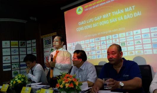 Các thành viên Câu lạc bộ BĐS Hà Nội chủ trì cuộc họp mặt