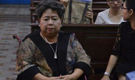 Bà Phấn tại phiên tòa Phạm Công Danh