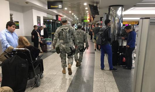 Lực lượng an ninh Mỹ được triển khai tại sân bay LaGuardia