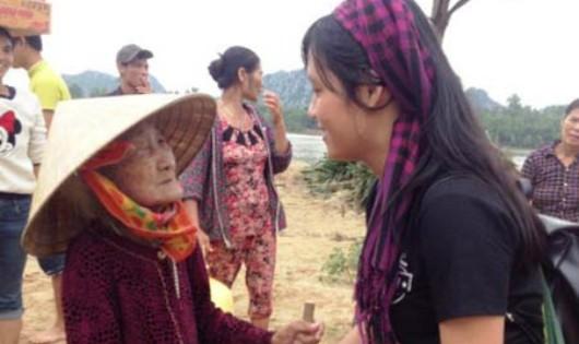 Truy tặng Bằng khen của Thủ tướng Chính phủ cho nữ tình nguyện viên dũng cảm