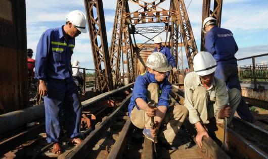 Liên danh RCC - Cty CP Đường sắt Thanh Hóa thi công Dự án khôi phục cầu Long Biên giai đoạn 1