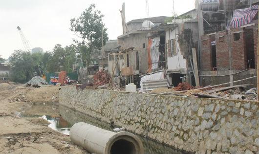 Nghệ An: Dân khổ vì thi công dự án hàng chục nhà dân nứt toác, sụt lún