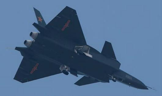 """J-20 - """"Mãnh Long"""" trên bầu trời?"""