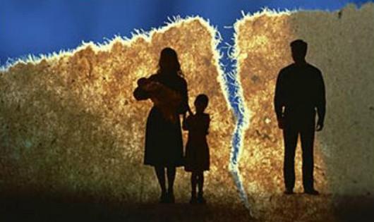 Chồng không thừa nhận con khi ly hôn, phải làm sao?