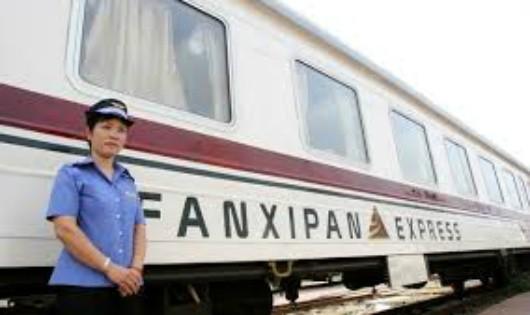 """Đường sắt phải nâng cao chất lượng toa xe, hậu cần điểm đầu - cuối để """"hút"""" khách du lịch tuyến Hà Nội - Lào Cai"""