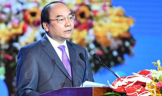 Thủ tướng Nguyễn Xuân Phúc đề nghị Đảng bộ, chính quyền và nhân dân Thành phố tập trung làm tốt 7 nhiệm vụ trọng tâm. Ảnh: VGP/Quang Hiếu